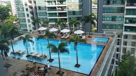 超赞的Oasia酒店泳池,还有按摩池呢!