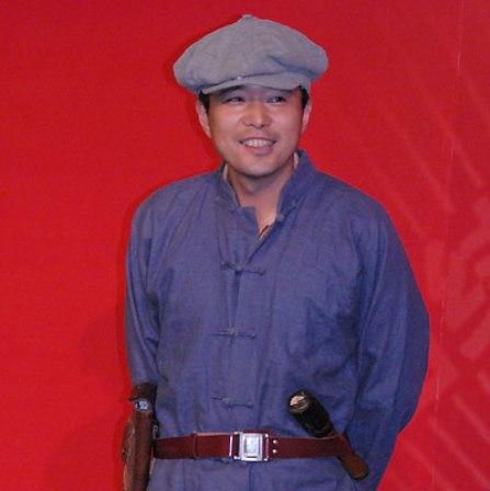 中体副总裁兼盐城总经理王哲表演节目